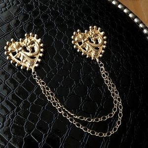 Accessories - Gold Chain Heart Brooch / Pin Thing